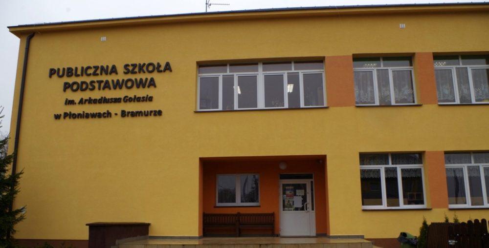 Publiczna Szkoła Podstawowa w Płoniawach – Bramurze